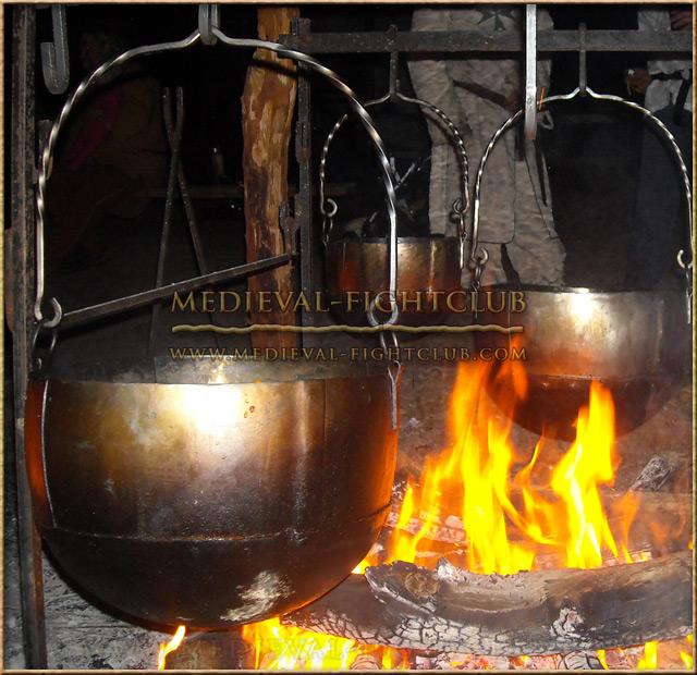 Cauldron - Small Over Fire